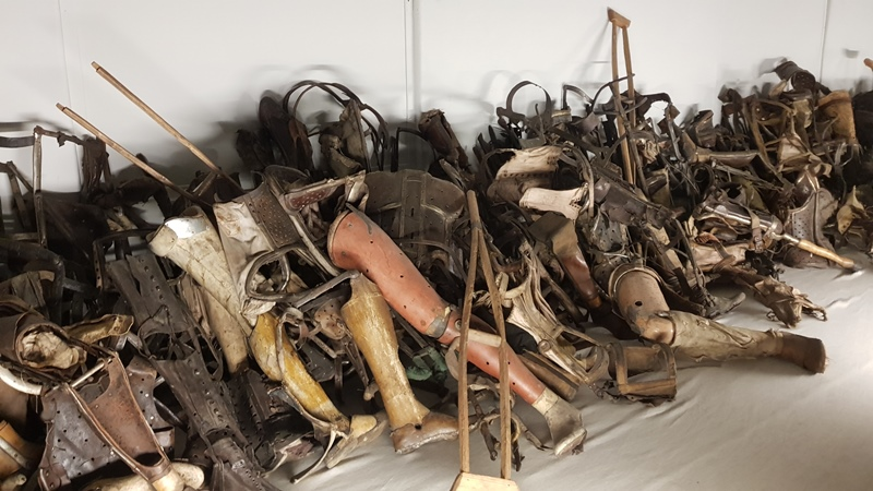 Ingezamelde protheses door de Duitsers