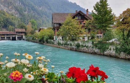 Blauwe rivieren in Interlaken