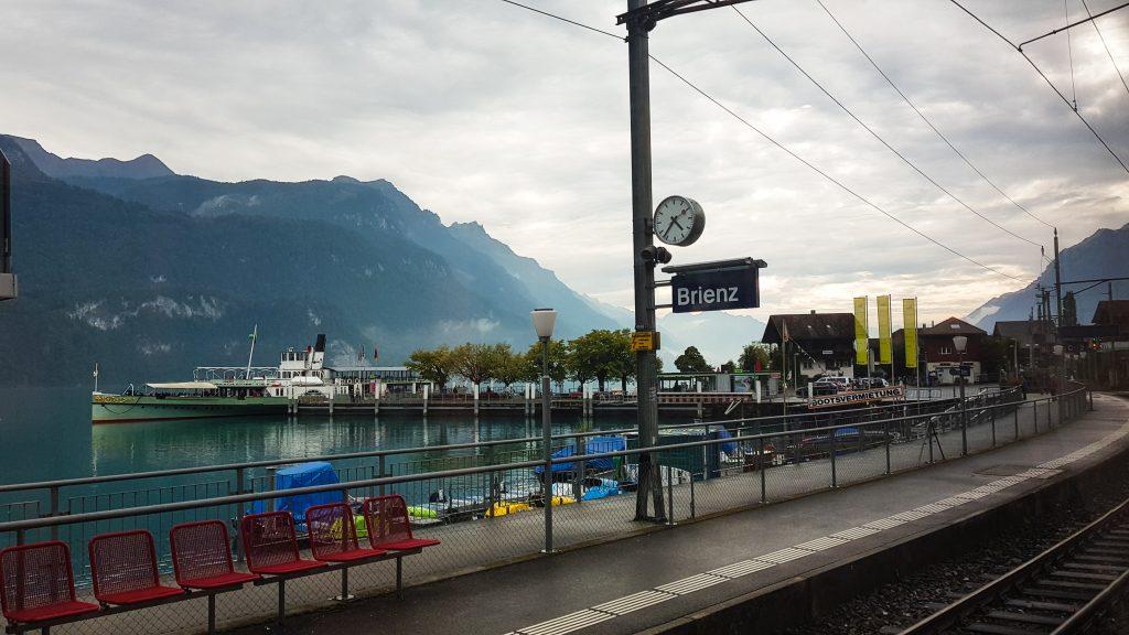 Treinsation en boot bij Brienz
